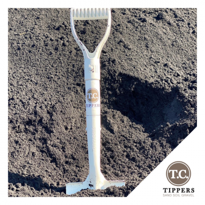 TC Tippers spade in soil