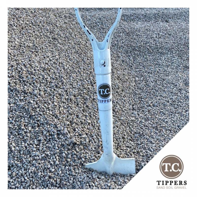 TC Tippers Spade in gravel